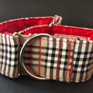 Collar Martingale estampado tipo Burberry