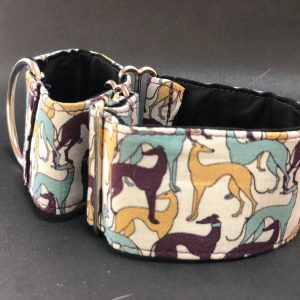 Collar Martingale con estampado galgos de colores