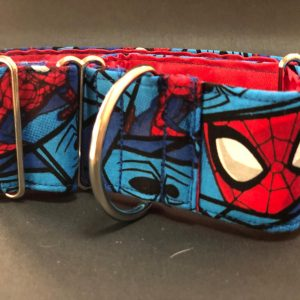 Collar Martingale con estampado Spiderman