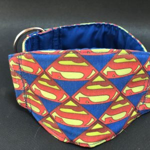 Collar Martingale con estampado Superman